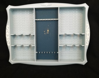 Vtg Oneida Deluxe Plastic Flatware Tray in Blue White Designs Flocked Center Area DAMAGE Flatware Not Included