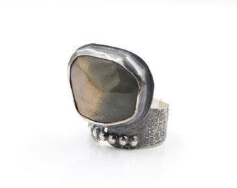 Labradorite - Beaded - Sterling Silver -  Hammered - Ring