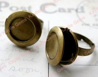 Locket Ring Setting for 14mm Photo Cabochon Cab Antique Brass, Adjustable - 2pcs