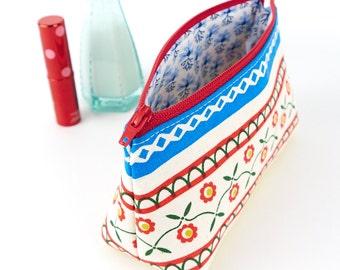 Bohemian Floral Makeup Bag in Scandinavian Folk Fabric, Handmade Gift for Her, Best Friend Birthday Gift, Cosmetic Bag