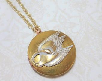 Swan Locket Swan Necklace Pendant White Swan Vintage Locket Bird Necklace Bird Locket Swan Jewelry Gift
