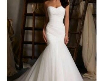 Sasha sweet heart wedding dress. Custom wedding dress. Custom fabrics available.