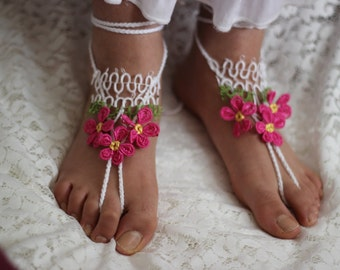 Crochet Barefoot Sandals, Wedding party shoes-Bridal Foot jewelry-Wedding Accessory-Bridal shoes-footless sandals with  fuchsia tatting lace