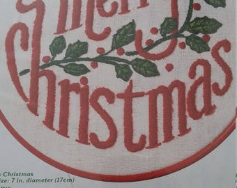 NEVER OPENED Like New Vintage WonderArt Christmas 7 inch Stitchery Kit Number 5526 Stamped Embroidery Kit