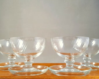 4 vintage clear glass dessert bowls with legs