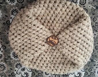 Beige crochet slouch