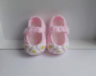Pink Baby Booties, Crochet Baby Booties, Flower Baby Booties, Mary Jane Booties, Strap Booties, 0-3 months