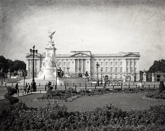 London Photography, black and white, Buckingham Palace, Fine Art Print, London Decor, Europe, England, Britain, Wall Art, Matted Print