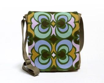 Tonya - Canvas Messenger Bag | cross body bag | retro shoulder bag upcycled with original vintage fabric by EllaOsix