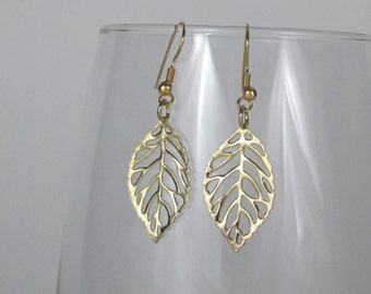 Elegant Gold Leaves Earrings