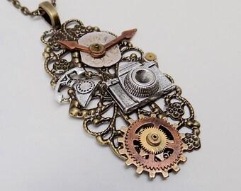 Steampunk necklace. Steampunk watch pendant.