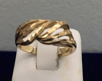 Vintage 14K Yellow Gold Open Twist Ring