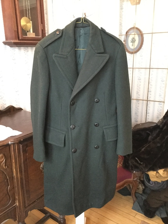 SPRING SALE! Cool vintage men's 1969 Canadian Forces green wool overcoat (A155) 6l4yXFr7
