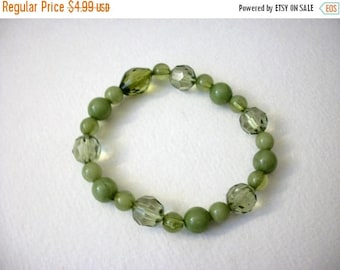 ON SALE Vintage Green Shades Acrylic Faceted Stretch Bracelet 63117
