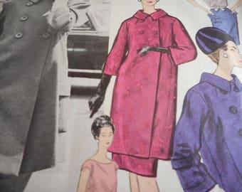 Vintage 1960's Vogue 1206 Paris Original Patou Suit and Blouse Sewing Pattern Size 12 Bust 32