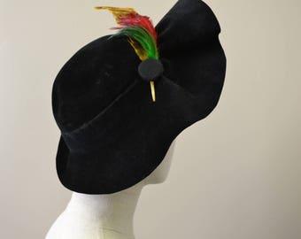 1940s Lady Dianne Black Velvet Brimmed Hat