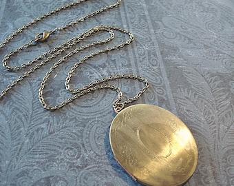 Vintage Brass Locket Necklace Large Brass Oval Locket Heirloom Gold Locket Necklace Brass Oval Locket Jewelry