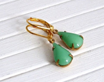 Apple Green Earrings .. green earrings, small glass earrings, vintage glass earrings