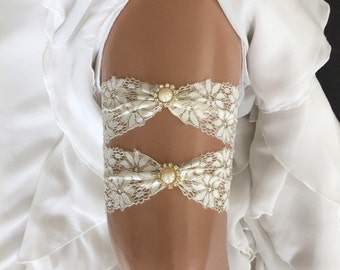 wedding garter set, ivory lace bridal garter set,  pearl/rhinestone, gold