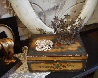 Beautiful FRENCH TOLE HUMIDOR treasure box gorgeous
