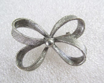 Vintage Lidz Bow Brooch Pin Silver Tone