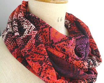 red snake skin scarf, snake infinity scarf, red infinity scarf, red snake infinity, round snake scarf, red loop scarf, red fabric scarf