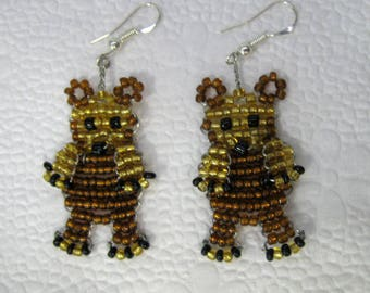 Ear Teddy bear earrings with seed beads and copper wire