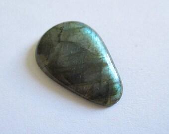 Labradorite - ref63282 - undrilled - 26x17x4mm (blue green gold highlights)
