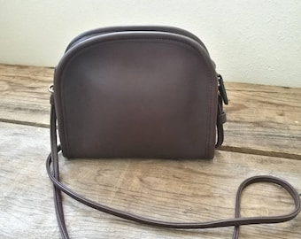 Vintage Coach leather mini chocolate brown purse 9017