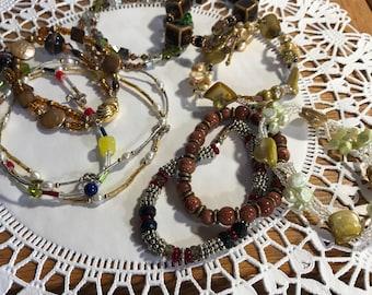 Vintage lot of 10 Fun beaded bracelets