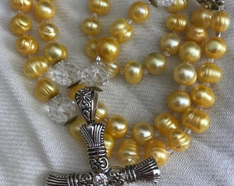 Freshwater pearl and crystal rosary