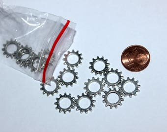 Set of 16 gears 12mm, silver charms