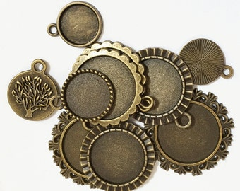 Bulk 40 Assorted Antique brass flat round Cabochon setting for different sizes , antique brass setting