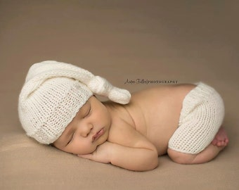 Knit Baby Hat, Photography Prop, Newborn Baby Hat, Baby Shorts, Newborn Photo Prop, Knit Photo prop, Photo Shoot Prop, Knotted Hat