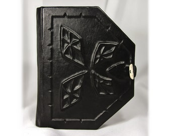 Leather-bound journal Edges and planes