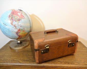 Vintage Leather Train Case - Leather Lined - Overnight Bag - Make-up Case - Carry on Luggage - Retro Storage - Wedding Photo Prop