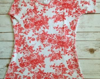 XXS Errand Day Tee, Coral Floral on White