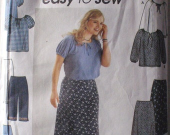 Women's Easy to Sew Pullover Top, Pants and Skirt Sewing Pattern - Simplicity 9193 - Sizes 18W - 24W, Bust 40 - 46