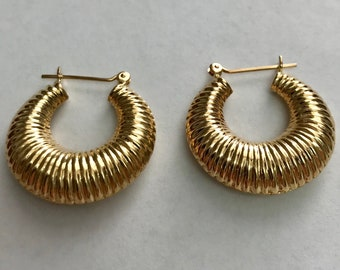 14 K yellow Gold Scalloped Hoop Earrings