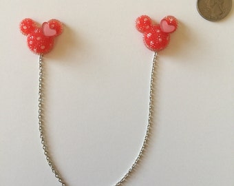 Red and pink mouse sweater clip