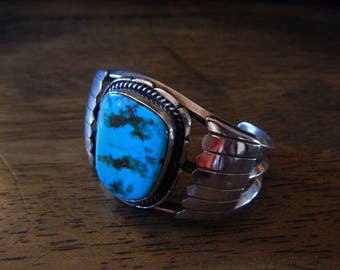 Southwestern Navajo American Indian sterling silver and turquoise cuff bracelet