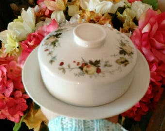 1960s Royal Doulton Dome Butter Dish for Roll Butter - Royal Doulton Logo - Beautiful - Excellent Condition!