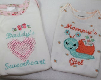 Baby Girl Pink heart bodysuit,Daddy's Girl bodysuit, Mommy's Girl bodysuit, Snail applique, New baby gift, Baby shower gift