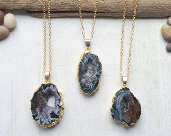 Natural Agate Slice Gold Plated Pendant Necklace M02