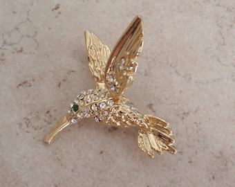 Hummingbird Brooch Articulated Wing Gold Tone Rhinestones Vintage 071815AR