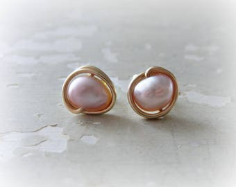 Mauve Pearl Studs, Gold Stud Earrings, Mauve Earrings, Freshwater Pearl Studs, Gold Post Earrings, Pink Pearl Earrings, Natural Pearl Studs