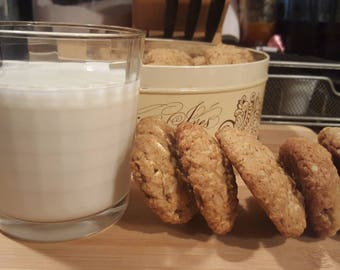 Perfectly Chewy Oatmeal Cookies (Baker's Dozen)