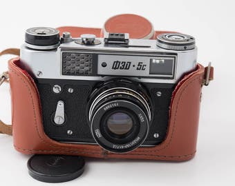 Fed 5s or 5c USSR (Soviet) rangefinder camera, w Industar 61, f2.8/55mm lens M39