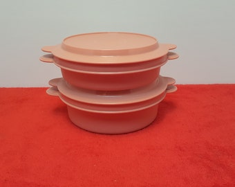 vintage tupperware microwave reheatables  with lids / set of 2 / pink tupperware #2454 #2455 #2456