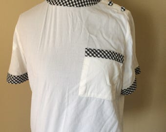 1960's Black and White Checkered Accent Blouse // Short Sleeve Shoulder Buttons Pinup Blouse